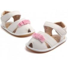 Sandalute fetite-albe