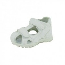 Sandale albe-perforate